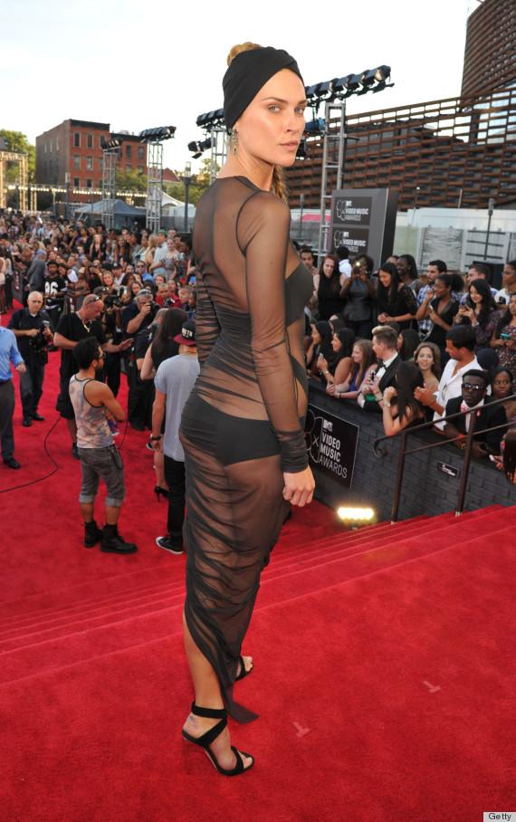 erin 2013 vma red carpet 2013 VMA: Red Carpet, Mileys Twerks & Tongues!