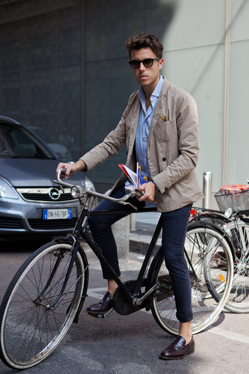 men-on-bike-looks-streetstyle