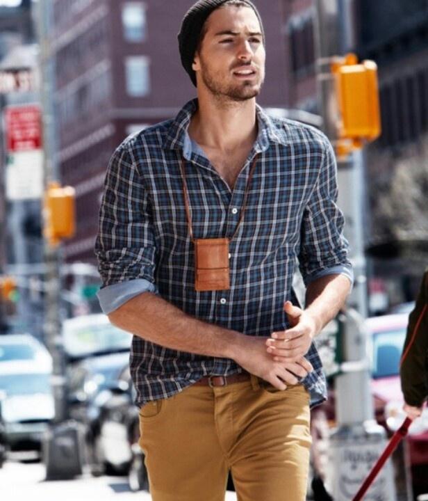 men-streetstyle-rolledup-sleeved