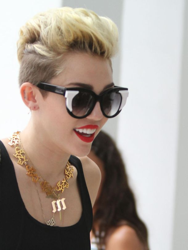 miley-cyrus-sunglasses-