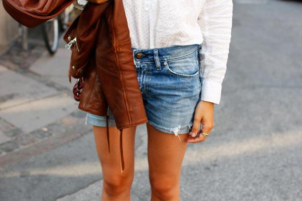 shorts-and-long-sleeves-look-7