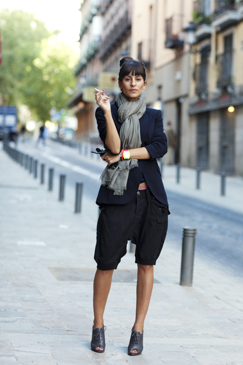 shorts-and-long-sleeves-look-streetstyle