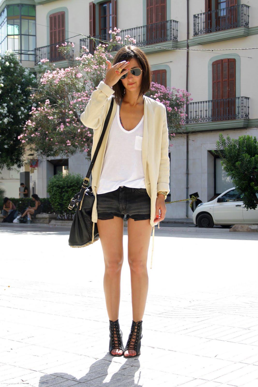 shorts-and-long-sleeves-look