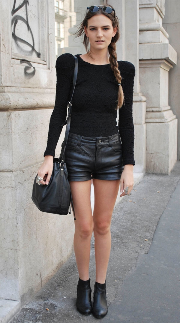 shorts-and long-sleeves-street-style