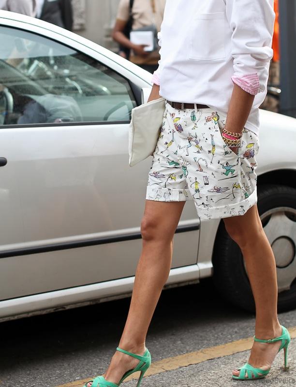 shorts-heels-long-sleeves-trebd