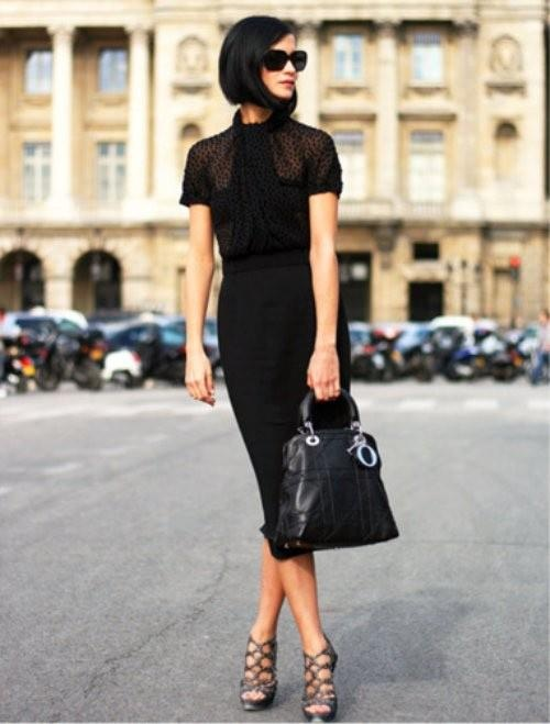 street style black bag Styling A Black Bag. Is It Really That Easy?