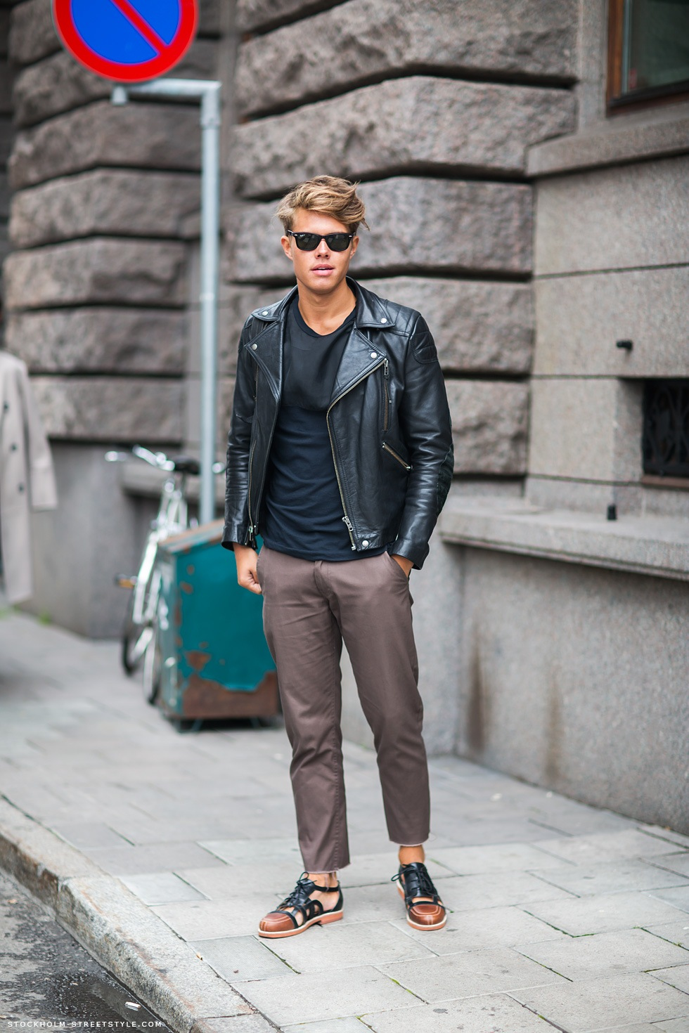 The latest men's street style photographs and trends for Our photographers snap the best-dressed real men from across the globe. A gallery of inspirational men's street style photography from around the world, courtesy of The FashionBeans Street Style Collective.