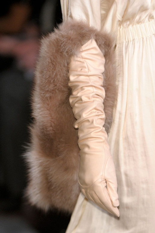long-leather-gloves-2013-autumn-trend