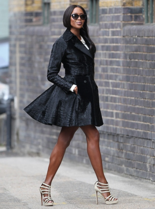 short-flared-trench-coat-look
