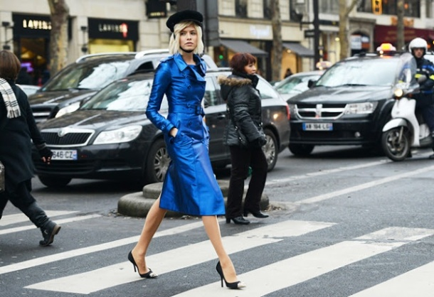 statement-trench-coat-burberry-street-style