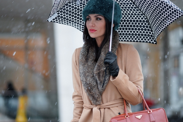 street-style-autumn-trend-umbrella