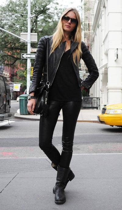 street-style-motorcycle-boots-all-black-look