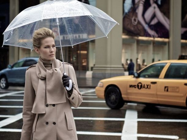 street-style-see-through-umbrella