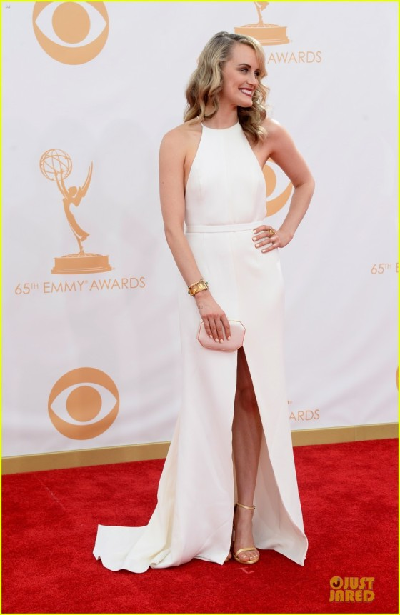 taylor-schilling-emmys-2013-red-carpet-dress