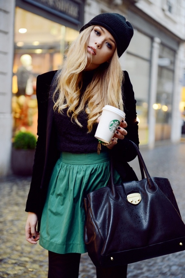 beanie-and-skirt-streetstyle