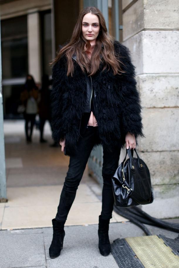 black-fur-coats-streetstyleblack-fur-coats-streetstyle