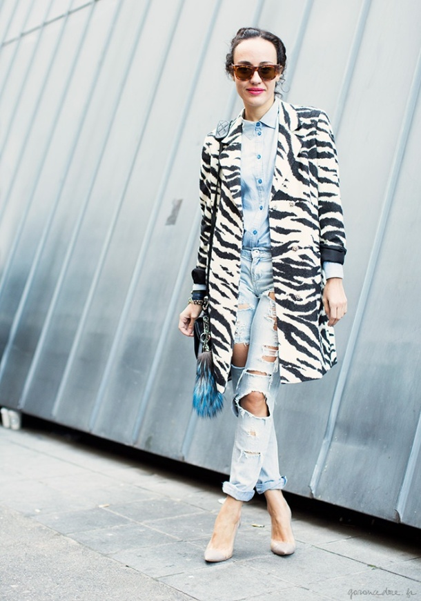 denim-and-animal-print-street-style