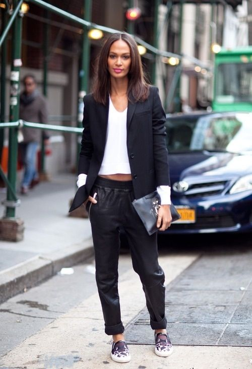 leather-sweatpants-look