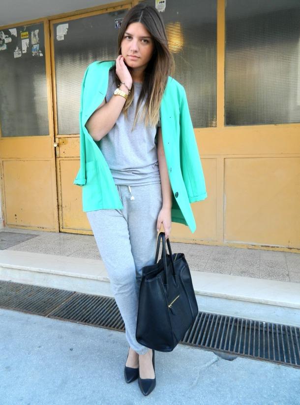 look-sweatpants-and-heels
