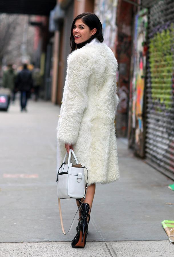wearing-white-winter-street-style