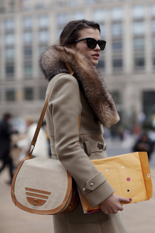 fur-scarf-street-style