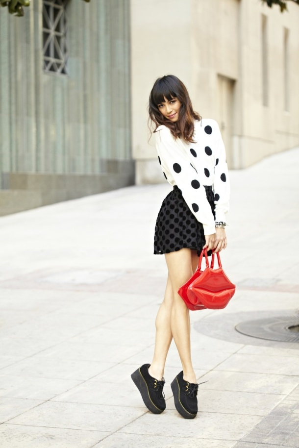 mismatched-polka-dots-street-style