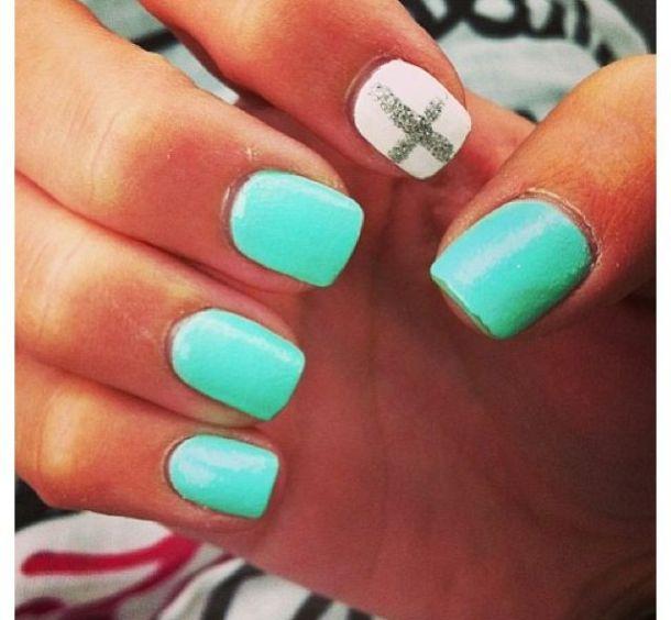 nails-for-Christmas