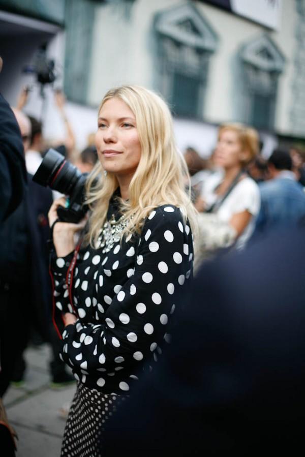 polka-dots-blouse-street-style