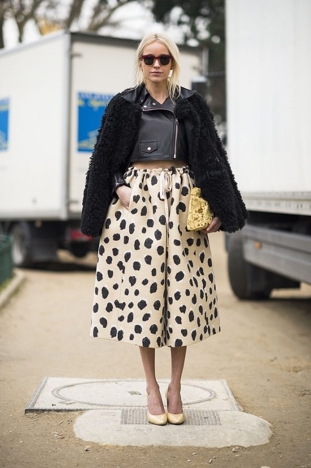 polka-dots-skirt-street-style