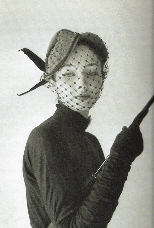 retro-veiled-hat-style