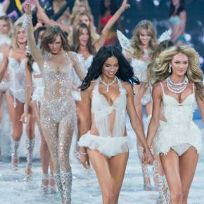 VICTORIA'S SECRET SHOW 2013! What's The Secret Behind Perfect Bodies & Hotness?