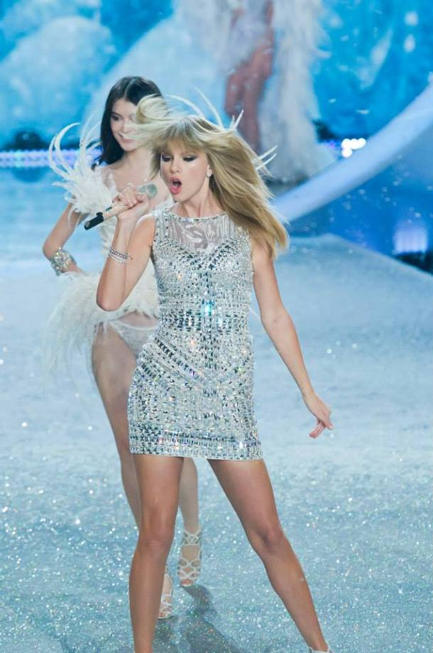 taylor-swift-victorias-secret-fashion-show-2013