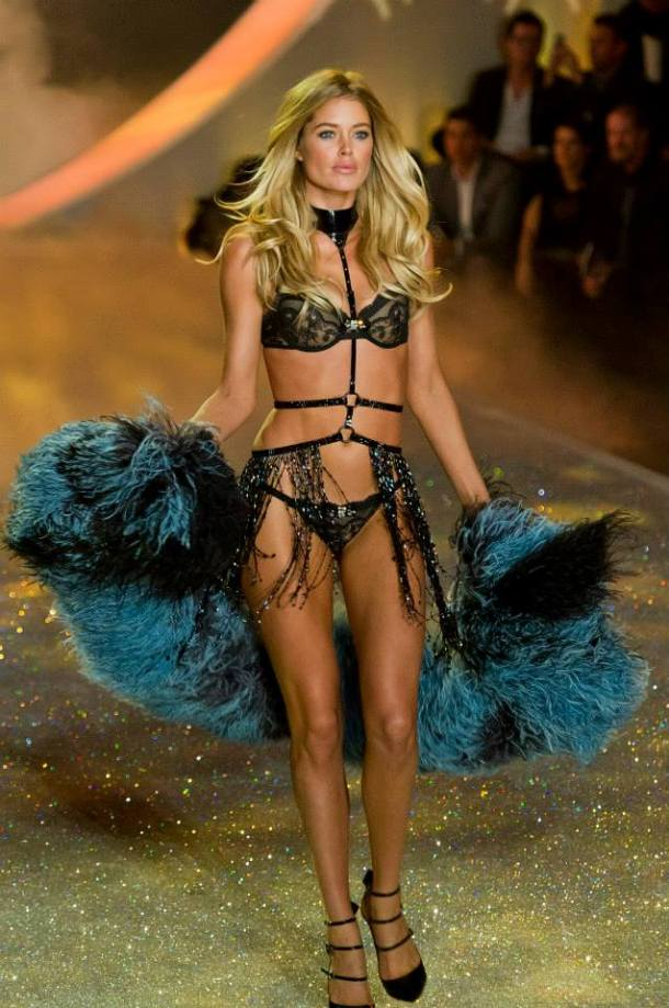 victorias-secret-fashion-show-2013-5