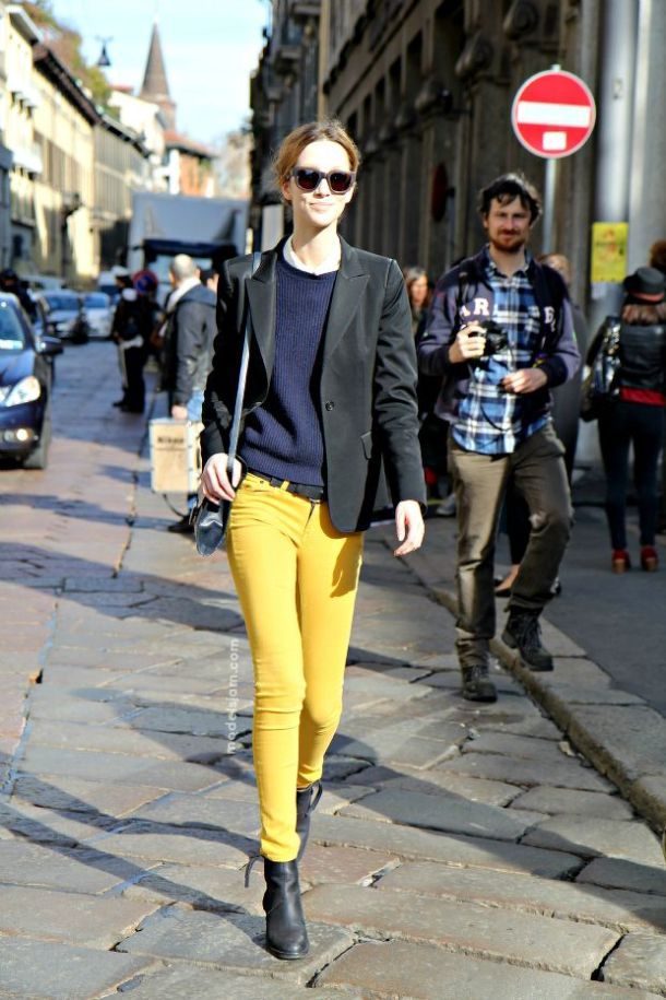 yellow-skinny-jeans