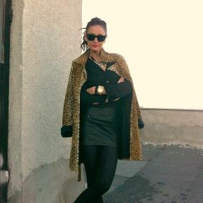 Style Post: Leather Skirt & BlackBlouse!