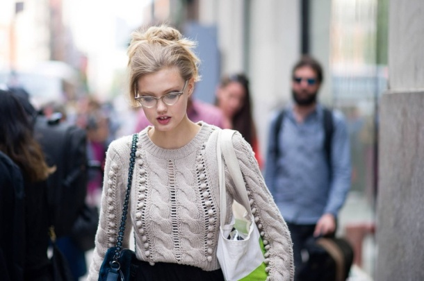 fitted-sweaters-trend