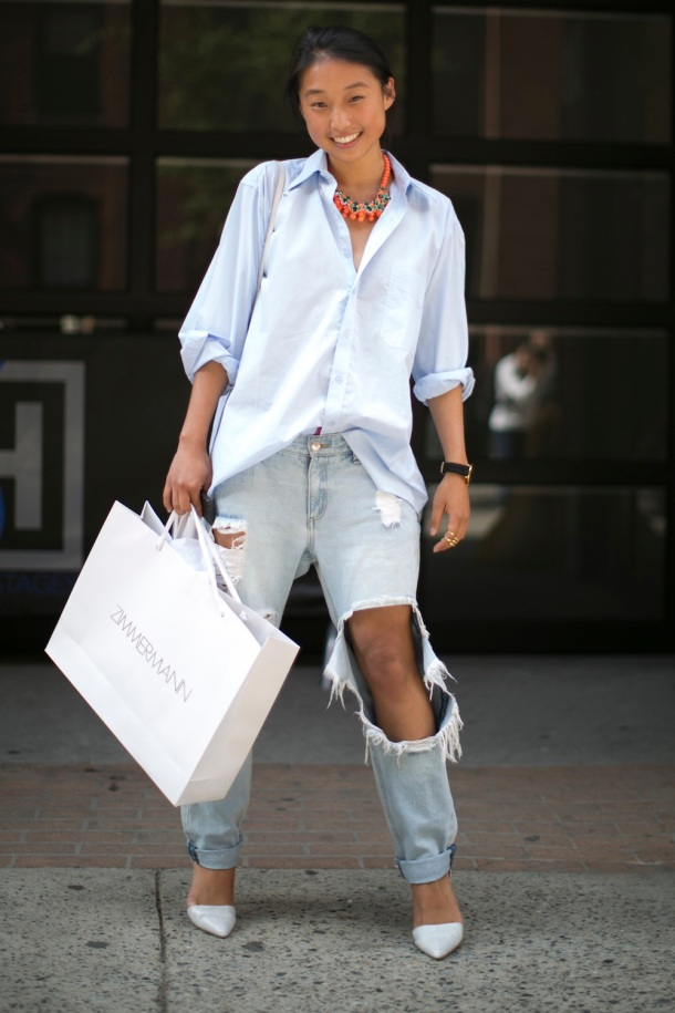 large-ripped-jeans-street-style