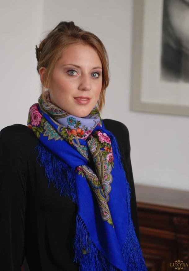 Luxyra-scarves-from-Russia