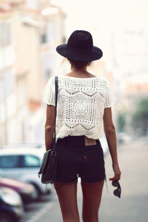 tiny-sweaters-street-style