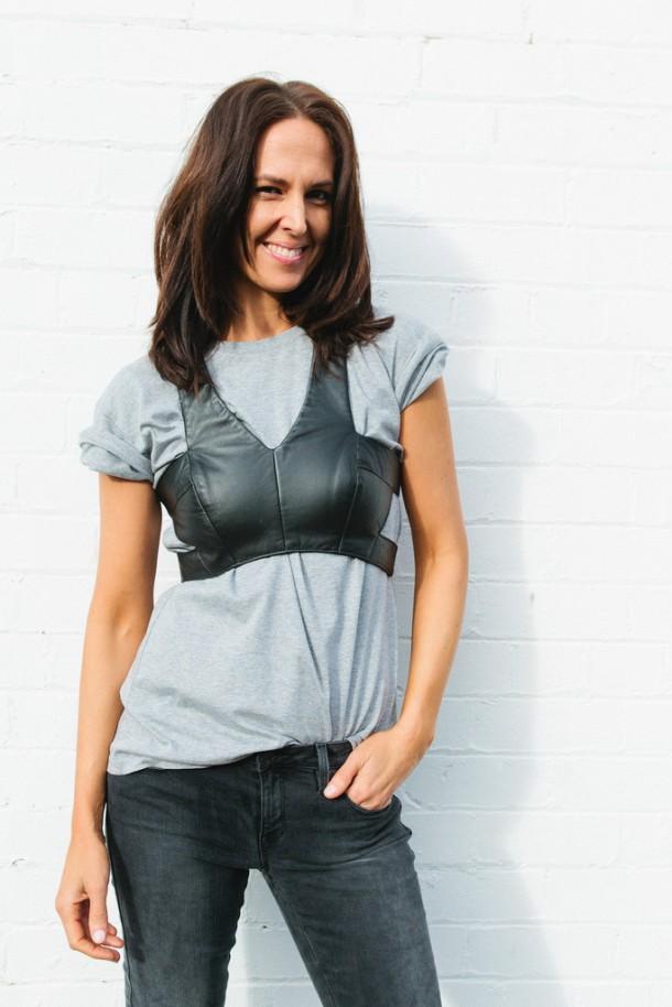 bustier-over-t-shirt-look