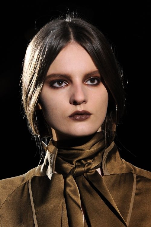 heavy-dark-makeup-trend