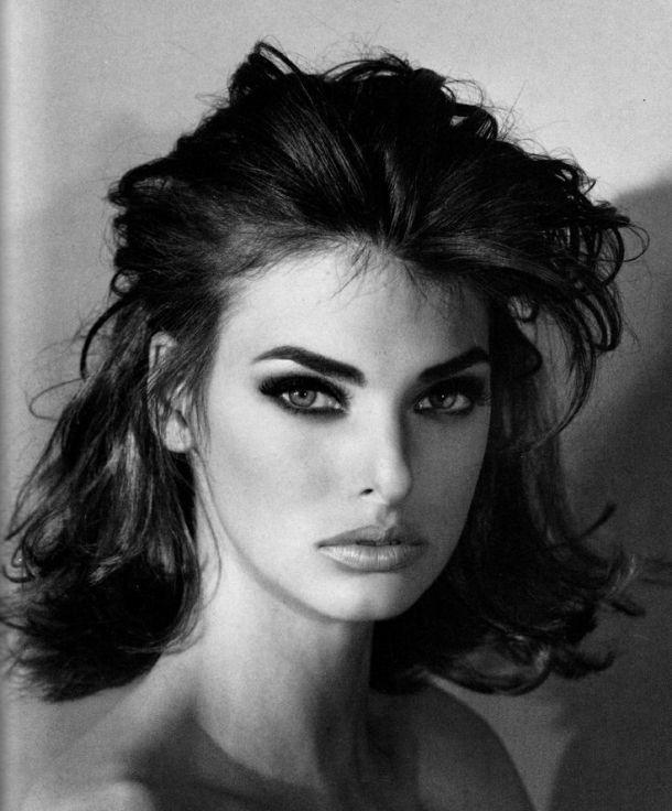 linda-evanghelista-90s-makeup