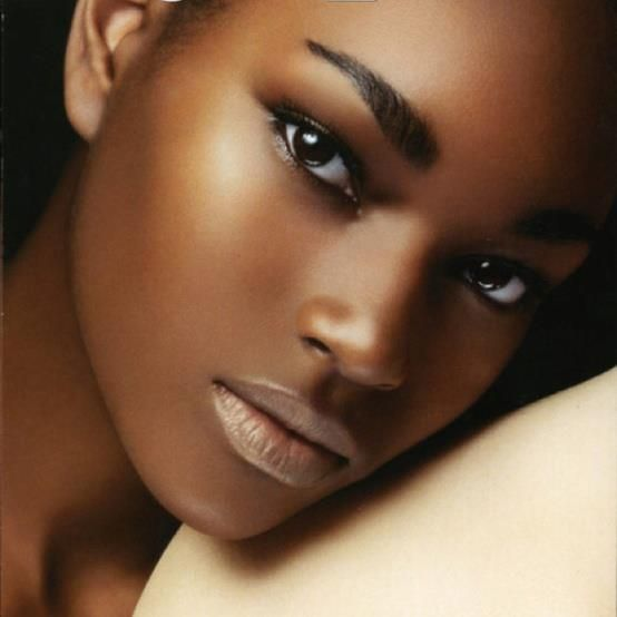 Valentines-Day-makeup-glowing-skin