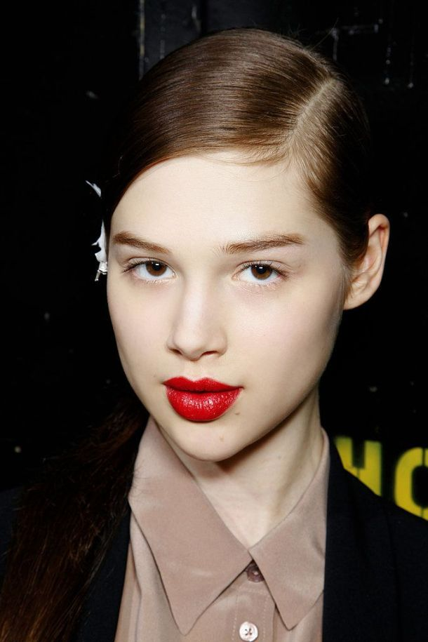 Valentines-Day-makeup-red-lips-bare-eyes-matte-skin
