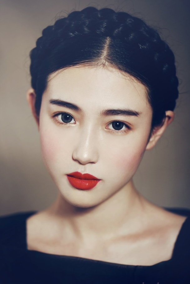 Valentines-Day-makeup-red-lips-bare-face-
