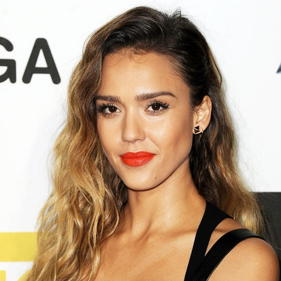 jessica-alba-orange-lips