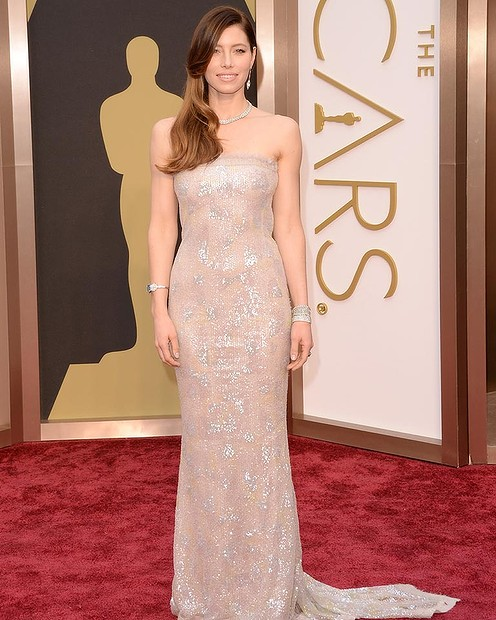 jessica-biel-2014-oscars-red-carpet