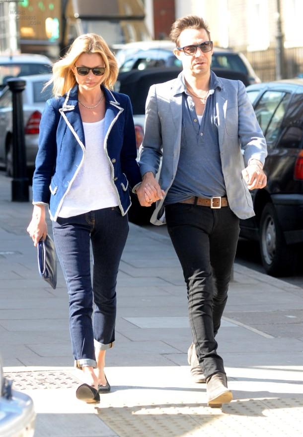 Kate-Moss-street-style-cuffed-jeans