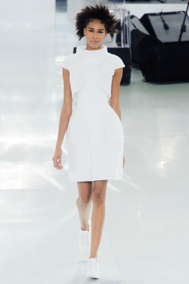 runway-the-white-sneakers-spring-style