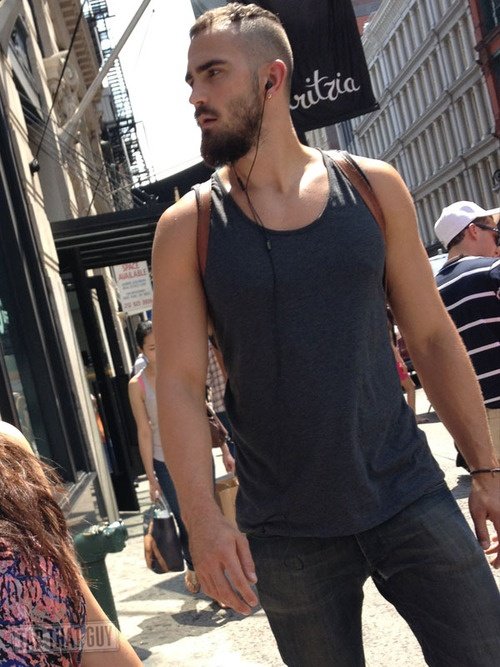 street-style-men-full-beard